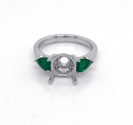 18kt White Gold Emerald Semi Mount