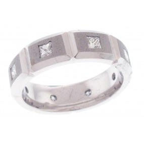 14kt White Gold Diamond Men`s Band