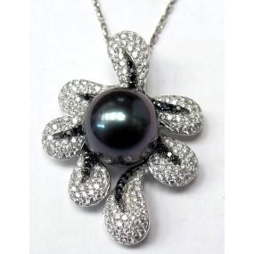 18kt White Gold Black and White Diamond Pearl Pendant