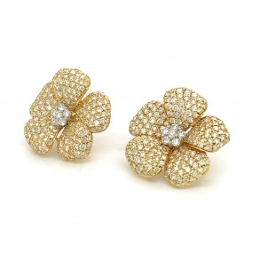 18kt Yellow Gold Diamond Flower Earrings