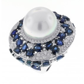 18kt White Gold Sapphire and Pearl Ring