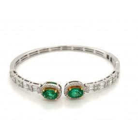 18kt White Gold Diamond And Emerald Bangle