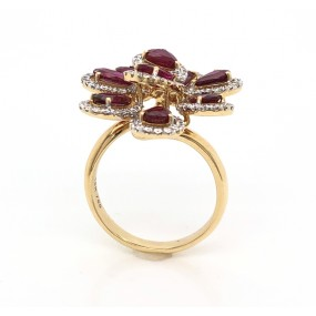 18kt Yellow Gold Diamond And Ruby Ring