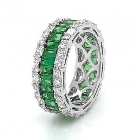 18kt White Gold Diamond And Tsavorite Ring
