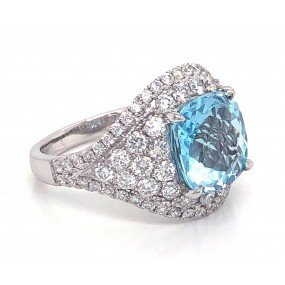 18kt White Gold Diamond and Aqua marine Ring