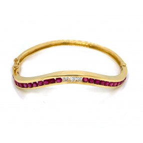 18kt Yellow Gold Diamond And Ruby Bangle