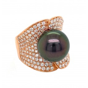 18kt Rose Gold Diamond And Pearl Ring