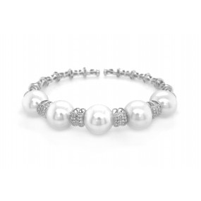 18kt White Gold Diamond and Pearl Bangle